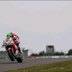 Eugene retires from Donington race 2